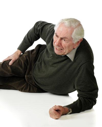 anziano caduto